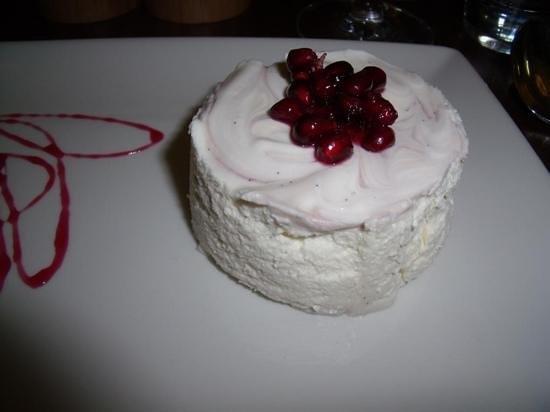 Hotel Indigo Edinburgh: vanilla & Pomegranite Bavarois