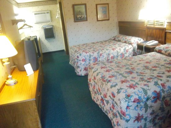 Dutch Treat Motel : another room view