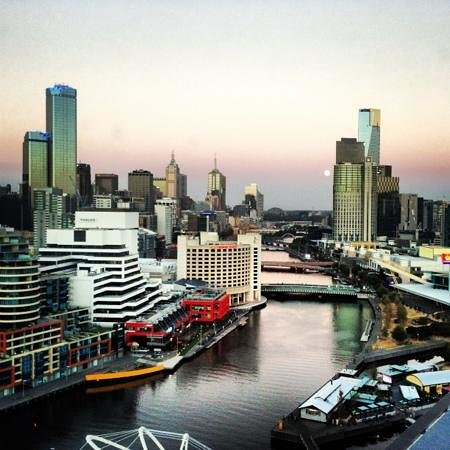 Hilton Melbourne South Wharf:                   the view of an evening from room 1712