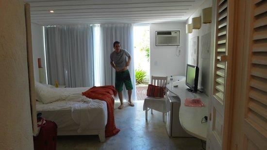 بيرولا بوزيوس هوتل: Por la mañana en la habitacion