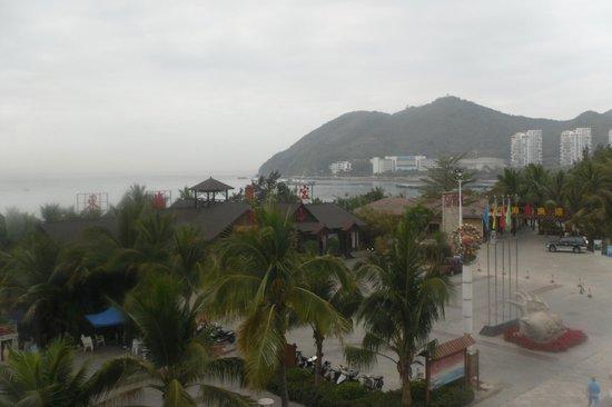 Herton Seaview Hotel:                   Вид из окна