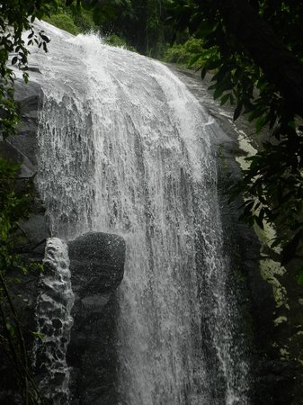Tres Tombos Waterfall