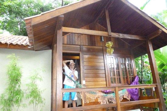 Aratinga Inn:                   Puerta del chalecito
