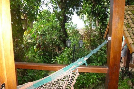 Aratinga Inn:                   Desde adentro del cuarto haca afuera