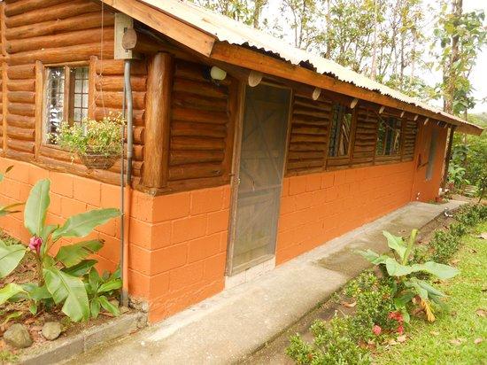 Cabañas Rústicas La Fortuna:                   Cabaña #3