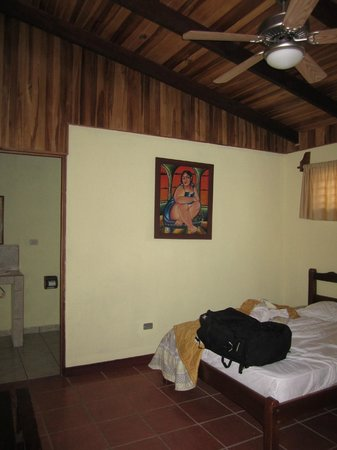 Catarata Eco Lodge S.A:                   BIG room and bath