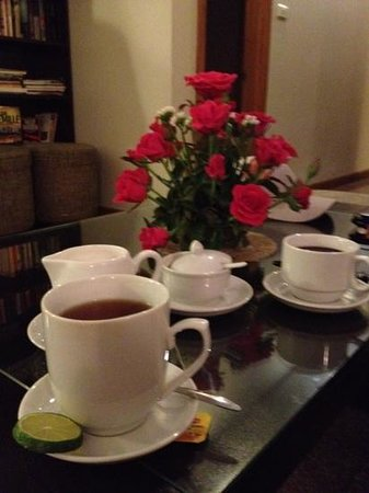 Hanoi Elegance Ruby: tea and refreshments served in guest waiting area - lovely