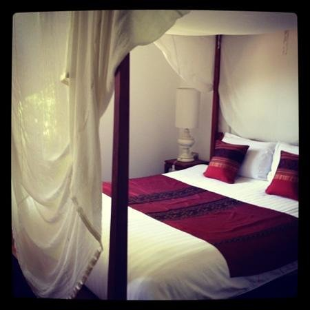 The BelleRive Boutique Hotel: mango room