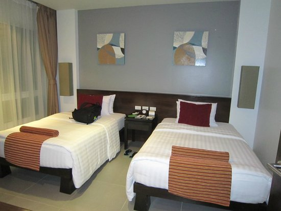 Movenpick Resort and Spa Karon Beach Phuket:                   Second bedroom at Residence