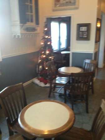 The Colonial Inn at Historic Smithville:                   Colonial Inn Cafe