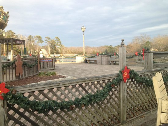 The Colonial Inn at Historic Smithville :                   View from the Cafe's outside sitting area