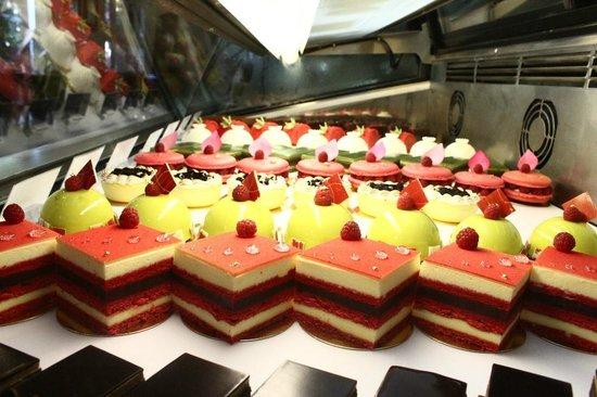 Dhara Dhevi Cake Shop Chiang Mai