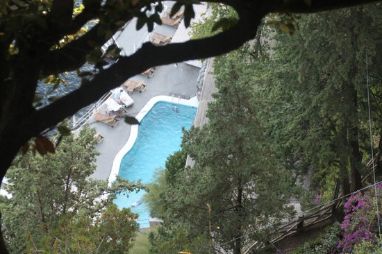 Santa Caterina Hotel: View of pool from top