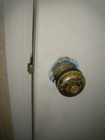 French Harbour, Honduras:                                     The bathroom door knob