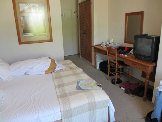 Stellenbosch Lodge :                                     Room (sorry about the mess)