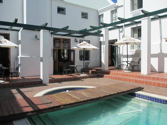 Stellenbosch Lodge:                                     Poolside