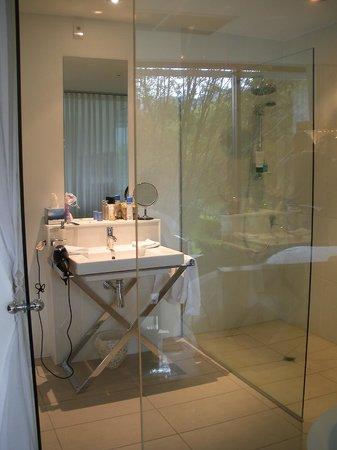 كوينزتاون بارك بوتيك هوتل: Remarkables Room bathroom