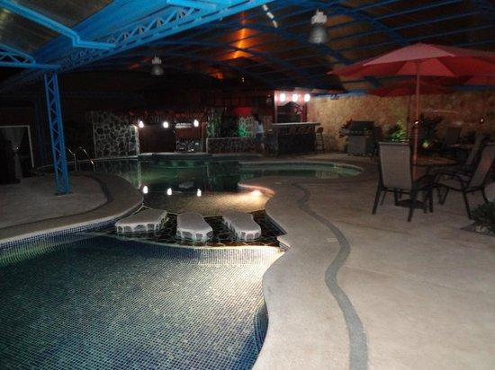 Hotel & Spa Poco a Poco:                                                       Piscina