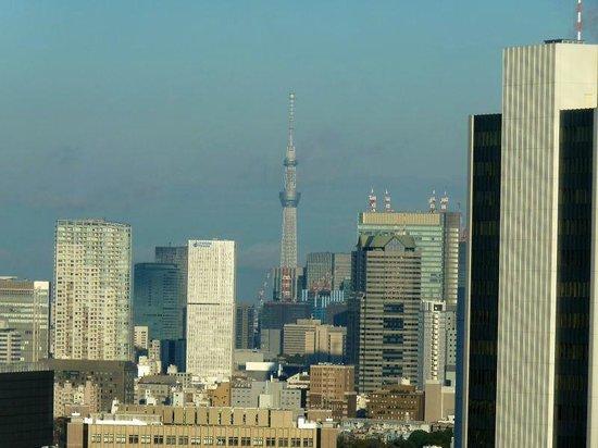 โรงแรมเซรูลีน ทาวเวอร์ โตเกียว:                   24Fの部屋から見えたスカイツリー