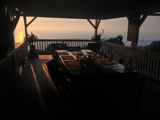 Lilikoi Inn:                                     View to Ocean
