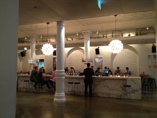 The Establishment: the bar