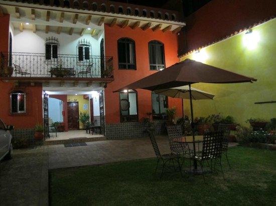 Hotel Antigua Curtiduria:                   evening view