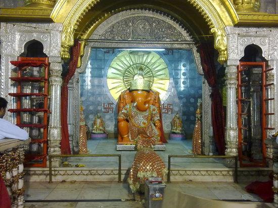 Moti Dungari Temple