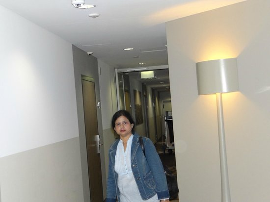 Ameron Hotel Flora Luzern:                   6th floor lobby