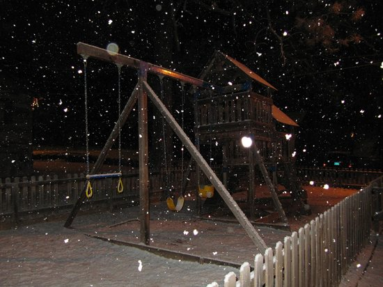 Idle Hour Lodge:                   More Snowy times                 