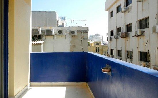 Hayarkon 48 Hostel: Balcony