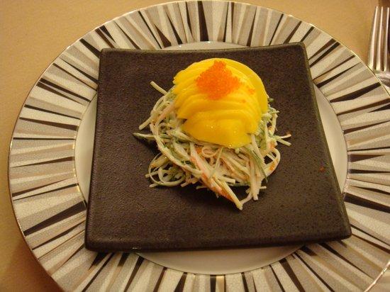 Prince Restaurant Tsim Sha Tsui:                   マンゴーたっぷりサラダ