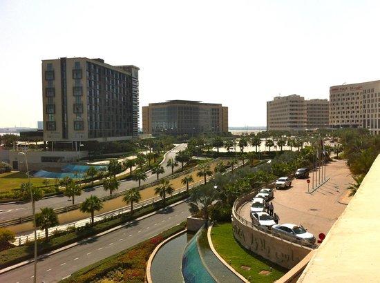 Park Inn by Radisson Abu Dhabi Yas Island:                   Neighboring hotels