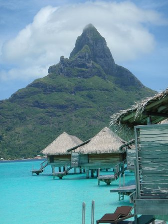 InterContinental Bora Bora Resort & Thalasso Spa:                   view of the mountain