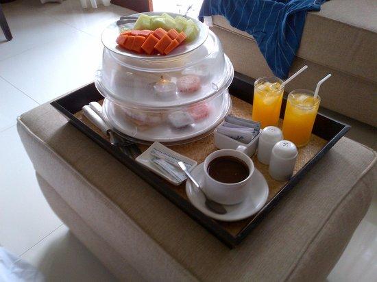 Uma Karan:                   choice of american/indonesian breakfast