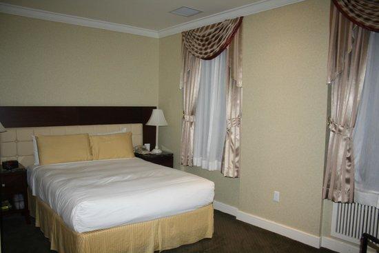 Hotel Stanford: Habitación de matrimonio