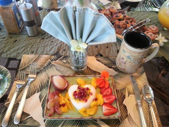 Honu Kai B&B:                   Breakfast arrangement