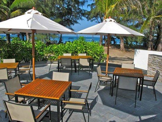 Pesto Restaurant: Ourdooe patio seating
