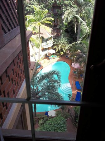 Woodmere Serviced Apartments: The pool