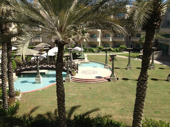 Grand Hyatt Muscat: Grounds