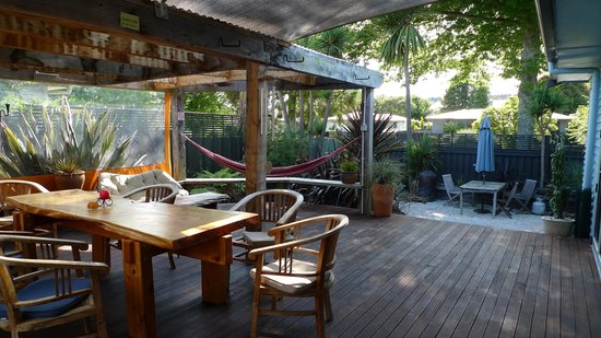 Riverstone Backpackers :                   La terrasse