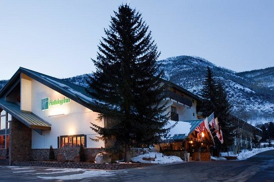 Holiday Inn Vail: Hotel Exterior