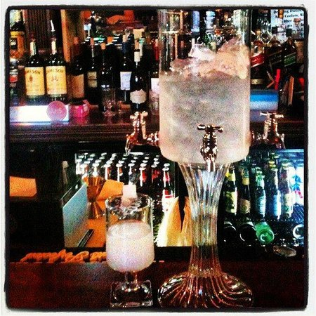 Kitchen428 Restaurant: Absinthe at Mojo's Lounge