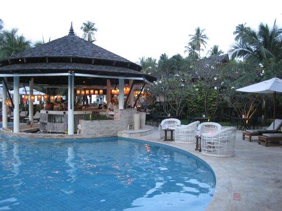 Melati Beach Resort & Spa:                   Pool bar!