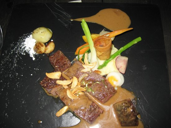 Dining on the Rocks :                   wagyu