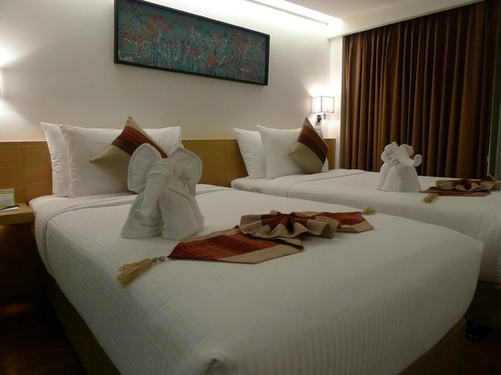 市角酒店:                   twin bed room