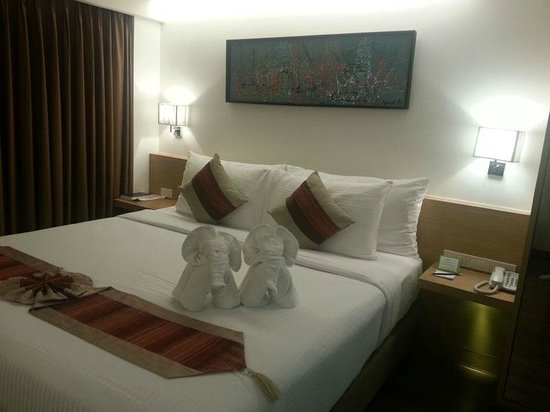 CityPoint Hotel:                   The bed looks nice.
