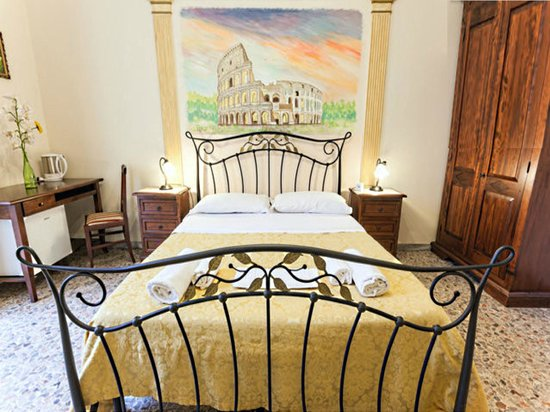 Trastevere Terrace Suites: Colosseum room