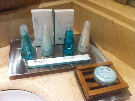 Bathroom Amenities bathroom amenities - picture of movenpick ambassador hotel accra