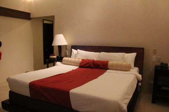 Amorita Resort :                   bed