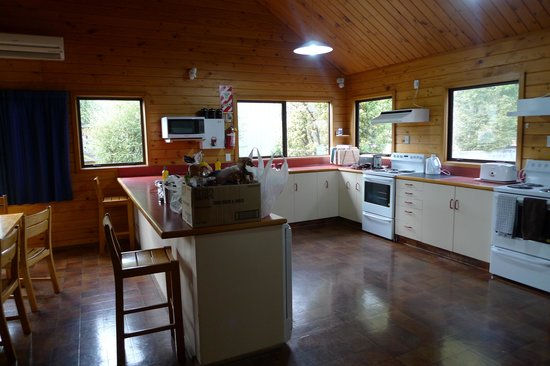 Altamont Lodge: Spacious kitchen